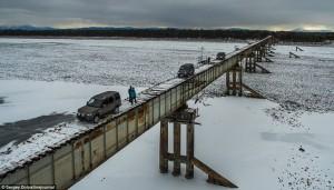 30D5FFEF00000578-3428130-According_to_Oddity_Central_the_Trans_Baikal_Region_bridge_was_o-m-32_1454490957968