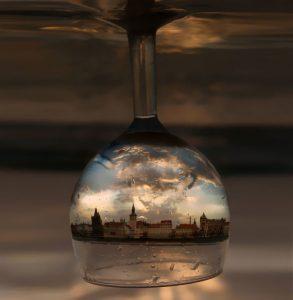 amazing-reflections-optical-illusions-33-5836d92c89d89__7001480248788