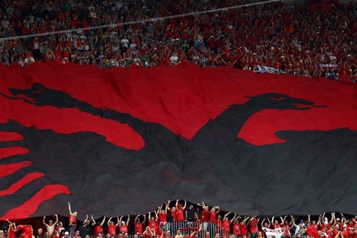 Itali Shqipëri  Tifozat Italianë  Shqiptarët po blejnë biletat tona