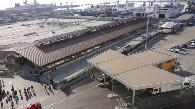 5 orë pa energji  bllokohet Porti i Durrësit