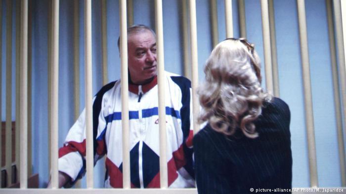 Sergej Skripal, ish-koloneli që punoi për britanikët e i dënuar nga rusët, në bisedë me avokaten në vitin 2006