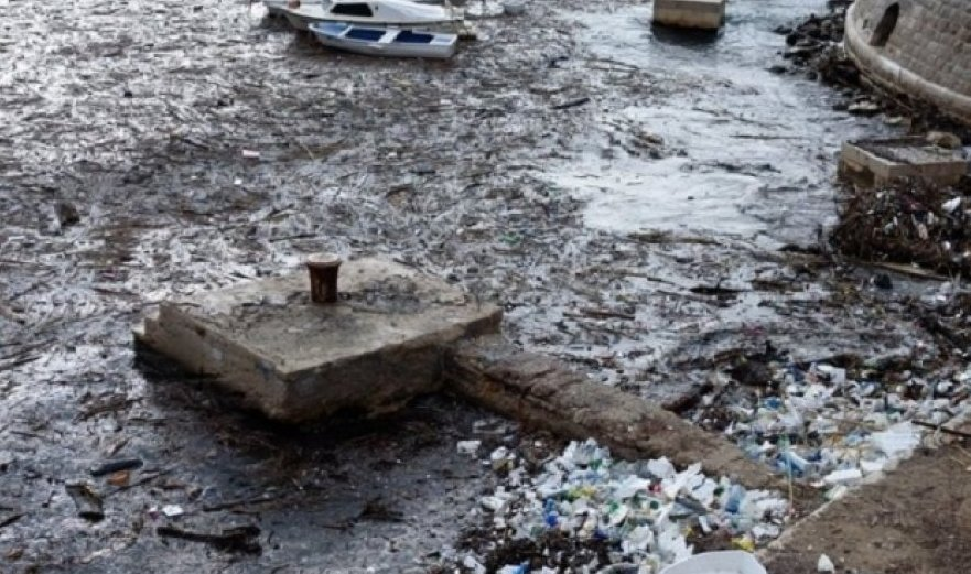 FOTO  Drogë dhe plehra shqiptare në Kroaci  nga deti