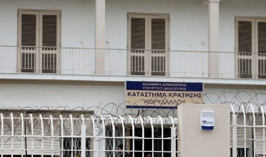 17 goditje në trup me thikë  Shqiptari që u vra brenda burgut në Greqi